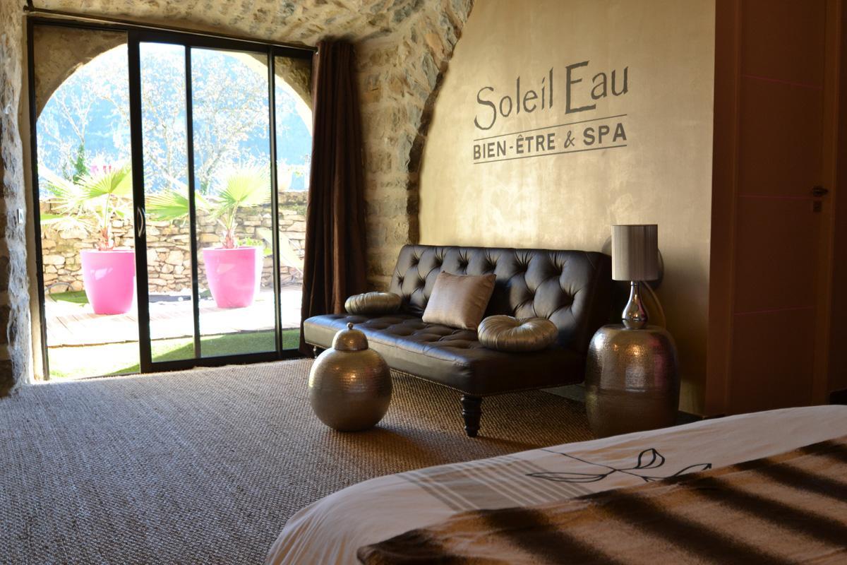 Le soleilo chambre d 39 hotes de luxe avec jacuzzi l - Chambre d hote de luxe avec jacuzzi ...