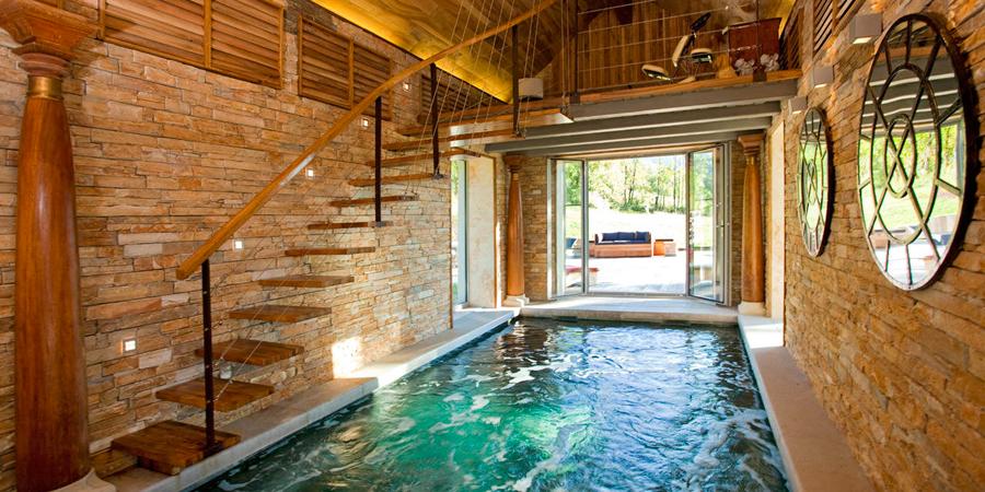 le chateaux des girards gite d 39 exception avec piscine. Black Bedroom Furniture Sets. Home Design Ideas
