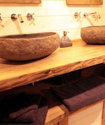 la cabane insolite spa hautfort avec son jacuzzi dans les arbres. Black Bedroom Furniture Sets. Home Design Ideas