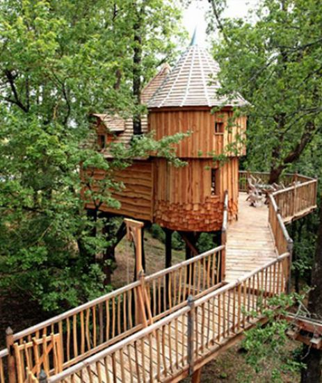 la cabane insolite spa milandes avec son jacuzzi dans les arbres. Black Bedroom Furniture Sets. Home Design Ideas