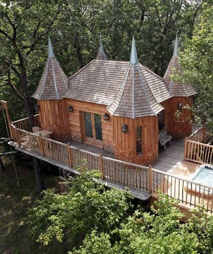 la cabane insolite spa monbazillac avec son jacuzzi dans les arbres. Black Bedroom Furniture Sets. Home Design Ideas