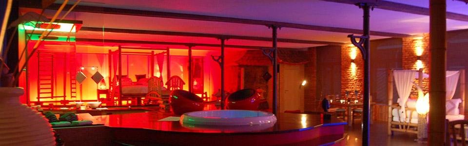 Le loft baiser de shogun, chambre avec jacuzzi et sauna ...